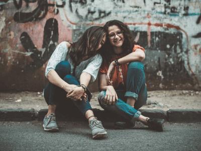 88 legendas para foto com irmã que são lindas e cheias de amor