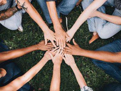 30 frases de trabalho em equipe para inspirar a união do time