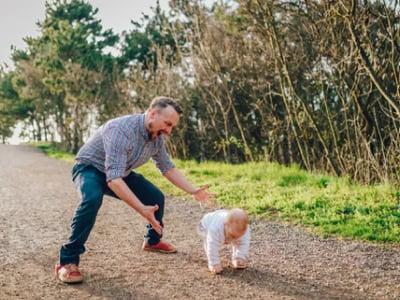 25 frases para pai de primeira viagem que mostram seu amor