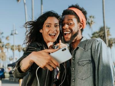 100 frases para foto de casal que encherão as suas redes sociais de amor