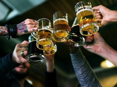 40 frases de cerveja para você apreciar sem moderação