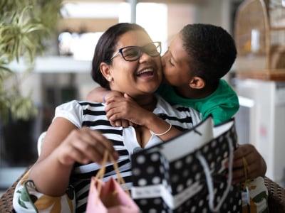 40 frases de filho para mãe que vão encantar a sua rainha