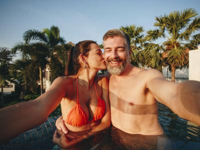 100 frases para foto com namorado repletas de muito carinho e amor