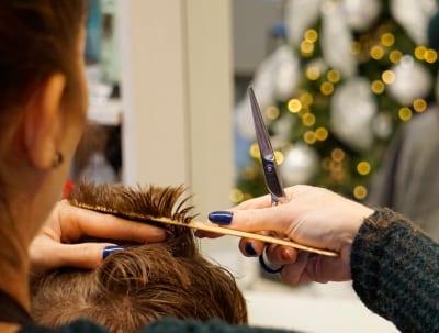 30 frases de cabeleireiro para dedicar a quem cuida das suas madeixas