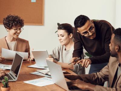 35 frases para colegas de trabalho que enaltecem a parceria de vocês