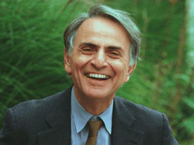 30 frases de Carl Sagan para compreender sobre a ciência e o universo