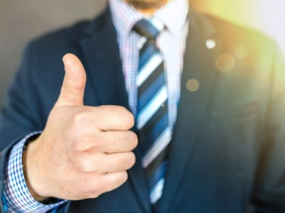 45 frases de elogios profissionais que enaltecem as qualidades do seu time